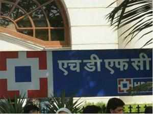 HDFC Bank on Wednesday hit the foreign debt markets with a $ 500-million bond issue, according to merchant banking sources.
