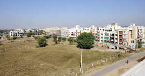 Economic Survey 2013: Delays in clearances jack up property prices by 40%