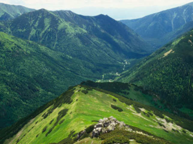 There is an adventurous side to the Eastern Europe land and that is mostly famous for its architecture, history and cuisine.