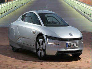 German auto major Volkswagen is eyeing to more than double its market share in India to up to 7 per cent by 2018.