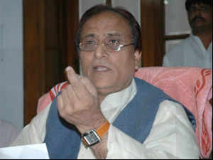 UP minister Azam Khan, who is accompanying CM Akhilesh Yadav for a Harvard University event in US, was allegedly subjected to humiliation at Boston Airport.