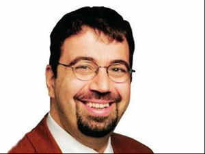 India has an electoral system in which voting is largely free & fair, but the Congress Party, dominates everything, says Daron Acemoglu.