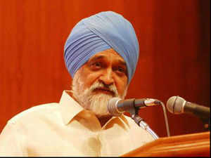 Montek Singh Ahluwalia expects growth rate to pick up in 2013-14