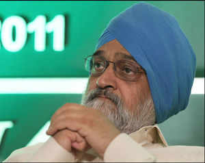 Government aims to bring down CAD to 2.5% by 12th Plan-end: Montek Singh Ahluwalia