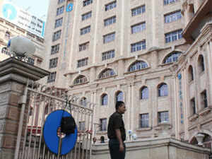SBI may have to revamp its California operations in US in response to the Federal Deposits Insurance Corporation (FIDC) directions.