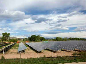 Solar power equipment makers on Thursday asked the government to encourage manufacturing in the country under the second phase of its flagship plan-JNNSM.
