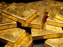 Akshaya Tritiya failed to trigger any buying frenzy as the yellow metal plunged below the important Rs 27,000 per 10 gm level on the domestic bullion mkt
