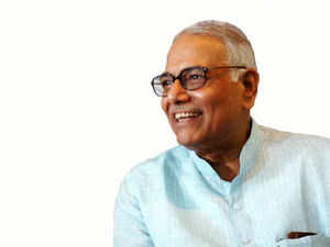 Ex-finance minister Yashwant Sinha, chairman of the panel, said the ineffectiveness of the Chit Fund Act of 1982 had demonstrated its redundancy.