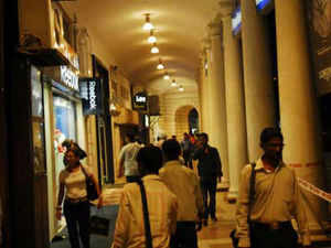 Prominent main streets of Delhi NCR like CP and GK witnessed expansion and entry of international brands leading to a stable to upward rental trend.