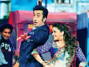 Pic: Madhuri Dixit dances with Ranbir Kapoor on the sets of Jhalak Dikhhla Jaa