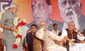 Uma Bharti to meet Advani tomorrow, says party will convince him to stay