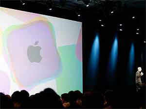The latest software from Apple OS X Mavericks will have the feature of multiple displays.