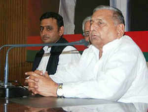 Samajwadi Party slammed the food security bill as a conspiracy to impoverish the farmers, vowing to oppose it in Parliament.