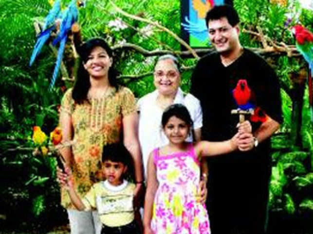 Rajesh Sud with his mother, wife Simi, daughter Aishwarya and son Adhiraj at Jurong Bird Park, Singapore.