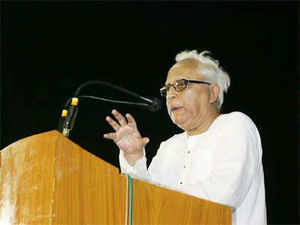 "Senior CPI(M) leader Buddhadeb Bhattacharjee today accused West Bengal Chief Minister Mamata Banerjee of using words that resembled the ""language of criminals"" which would only encourage such elements."