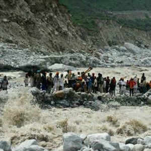 Not a single chopper has so far been able to take off from Sahasradhara helipad to rescue stranded pilgrims at Badrinath and affected pockets adjacent to it.