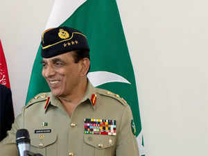 Ashfaq Parvez Kayani will pay a three-day visit to Sri Lanka during which he will meet the top political and military leadership of the country.