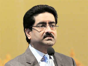 Kumar Mangalam Birla said the new bank licence norms announced by the Reserve Bank are not discriminatory towards large corporate houses.