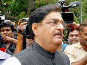 BJP leader Gopinath Munde stuck his neck out when he admitted that he spent 20 times as much he was allowed to, in order to get elected to the Lok Sabha.