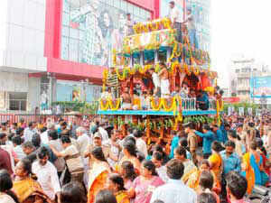 The 'Daitapati Nijog' today suggested the Odisha government to make special arrangement for them to have 'darshan' of the deity.