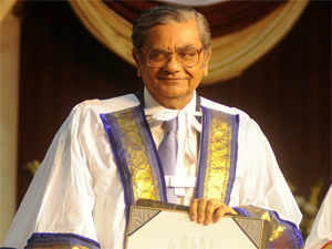 """Jagdish Bhagwati, Amartya Sen's staunch rival, says that the Nobel Prize-winning economist's claim that he will return the Bharat Ratna, the nation's highest civilian award, looks like a """"hollow gesture""""."""
