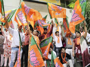 A tracker poll shows BJP-led NDA making significant gains even as the Congress-led UPA is projected to be hit by anti-incumbency factor.