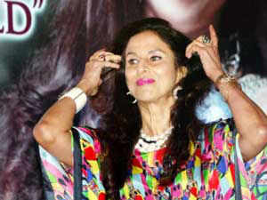 """Launching a scathing attack on Shobha De, Shiv Sena mouthpiece `Saamana' today said she was suffering from """"bankruptcy"""" of intelligence."""