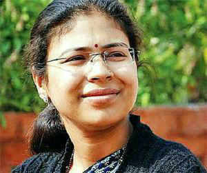 A bench headed by Justice H L Gokhale, issued notice to the state government asking them to file their response for arresting writer Kanwal Bharti, in violation of its order.