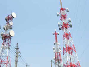 Two analysts say Idea could also join the bidding for spectrum in the more efficient but expensive 900 Mhz band.