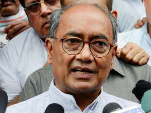 Digvijay Singh has said that the country will never accept Gujarat Chief Minister Narendra Modi as he can not keep the nation united.