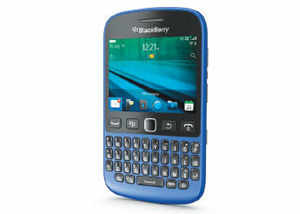 After the high-end BlackBerry 10 devices, BlackBerry has launched the 9720 — a mid range device with the older BlackBerry 7.1 OS.