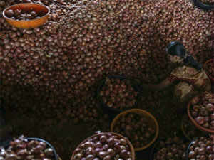 Costlier onion and other vegetables pushed up inflation to 6.1% in August, making it difficult for RBI to cut rate in the monetary policy review due later this week.