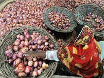 Afghanistan and Egypt onions hit Indian market as prices in domestic market firm up. Traders and retailers now expect prices to correct by 15-20%.