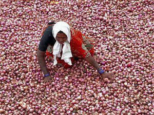 National Agricultural Cooperative Marketing Federation of India held a meet with onion importers to help fast clearance of imported stock today in Mumbai.