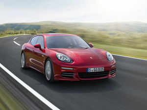 The new Panamera comes with a host of features as standard equipment, including electric sun roof, Porsche Communication Management.