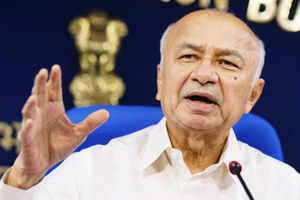 Opposition mistaken on letter to CMs over harassment of youth: Shinde
