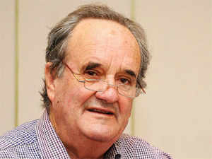 """Sir Mark Tully today described as """"totally false"""" an e-mail circulating in the cyber space in his name attacking Congress President Sonia Gandhi"""
