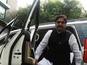 BJP leader Gopinath Munde's appeal against his disqualification from this election was rejected by the MCA.