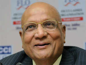 Lord Swraj Paul has said the Commonwealth should be more assertive in its diplomatic endeavours and it must change, adapt and grow so as not to be marginalised