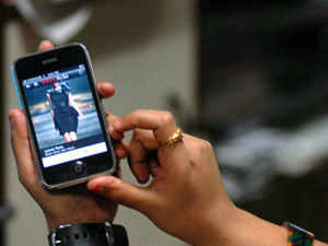 Homegrown cellular phone handset maker Micromax said here today that its Chief Executive Officer Deepak Mehrotra has quit the firm.
