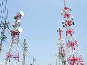 The lobby body for CDMA mobile operators will shortly write to telecom regulator Trai that it should auction airwaves in the 800 MHz band.