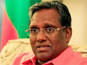 """Expressing concern over the political crisis in the Maldives following the last-minute cancellation of the Presidential re-vote, India today said it is not a good idea to have a """"constitutional void"""""""