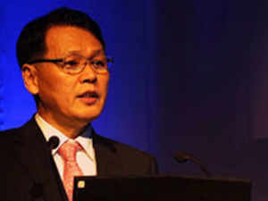 The slowing market for passenger vehicles is worrying, but it will eventually revive. There is no doubt on the future growth potential, says Bo Shin Seo.