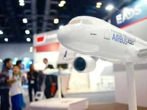 Mexican budget airline VivaAerobus has ordered 52 Airbus A320-family jets from Airbus , an official at the European planemaker said on Monday.