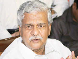Jaiswal today labelled former Coal Secretary PC Parakh as 'Sheikh Chilli,' for his comments that PM Manmohan Singh was equally responsible for alleged irregularities in the allocation of a coal block to Hindalco