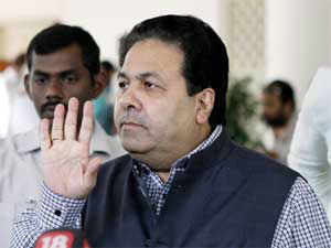 Union Minister Rajeev Shukla today said the country's borders are secure and the Chinese are not intruding into Indian territory.