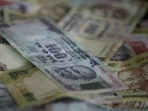 The Finance Ministry today decided to pump in Rs 2,000 crore in State Bank of India and Rs 1,800 crore each in IDBI Bank and Central Bank of India
