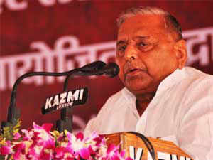 Mulayam Singh Yadav said people had become disillusioned with both the BJP and the Congress in poll-bound Madhya Pradesh and there was a wave in favour of a third front in the state.