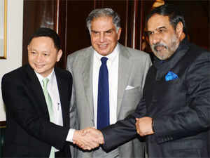 Tata was accompanied by Singapore Airlines (SIA) CEO Goh Choon Phong and Tata SIA Airlines Chairman Prasad Menon.