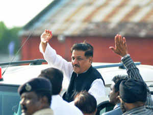 Prithviraj Chavan indicated here today that Congress and NCP would arrive at an agreeable seat sharing formula to jointly fight parliamentary elections in the state.